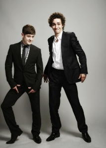 Iwan-Rheon-and-Robert-Sheehan-iwan-rheon-17786546-500-700