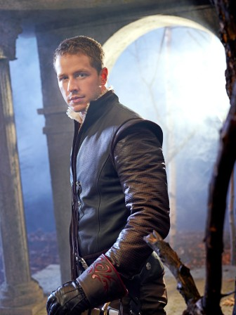 Once_Upon_A_Time_S1_Josh_Dallas_alt_003