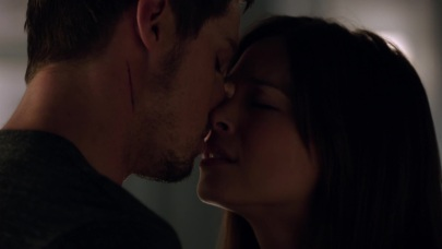 Beauty_and_the_Beast_2012_S02E01_1080p__KISSTHEMGOODBYE_NET_1316