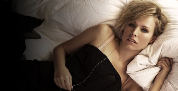 Kristen-Bell-Bored-HD-Wallpaper