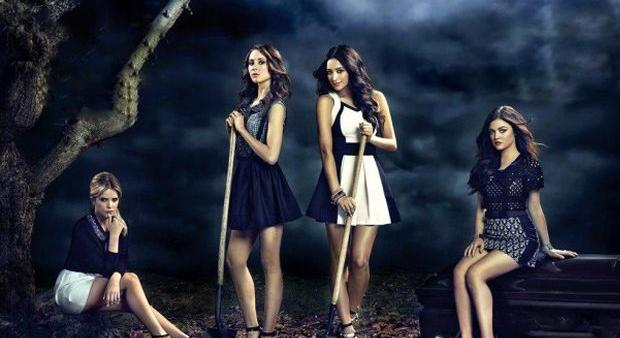 Ashley-Benson-Troian-Bellisario-Shay-Mitchell-and-Lucy-Hale-of-Pretty-Little-Liars