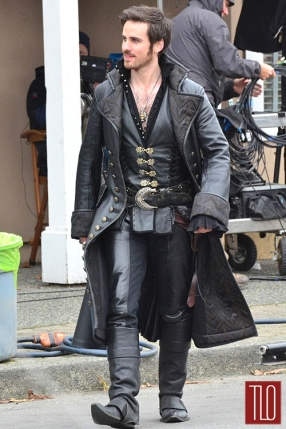 Colin+O'Donoghue+On+Set+Once+Upon+A=Time+Captain+Hook+5