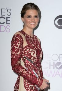stana-katic-at-40th-annual-people-s-choice-awards-in-los-angeles-2014_6